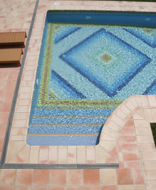 suelo exterior piscina 3